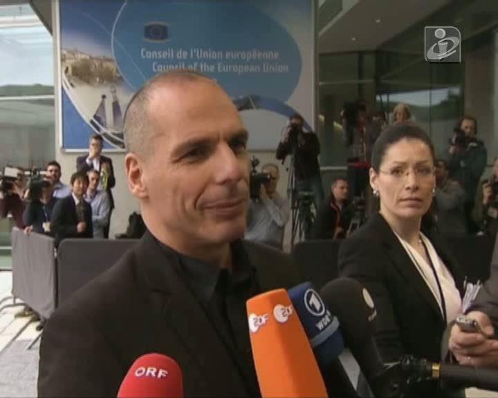 Varoufakis diz que pretende chegar a um consenso efetivo no Eurogrupo