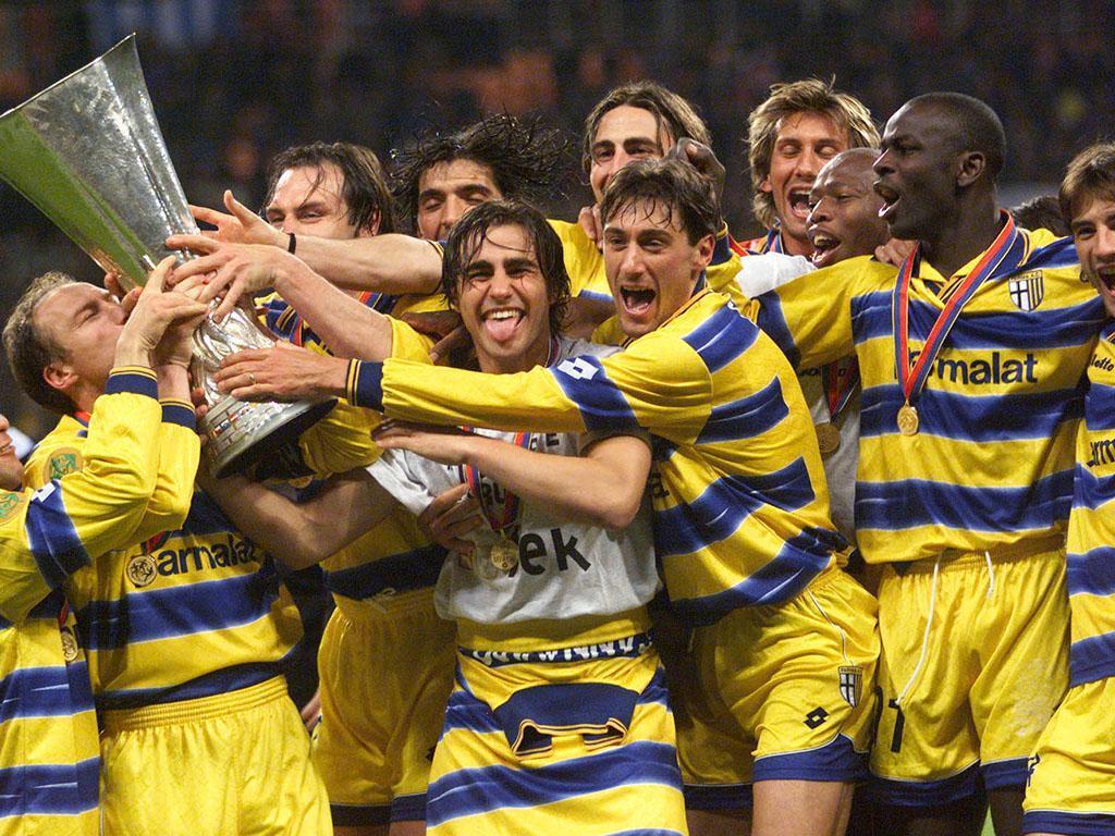 Parma ganha Taça UEFA 1998/99 (Reuters)