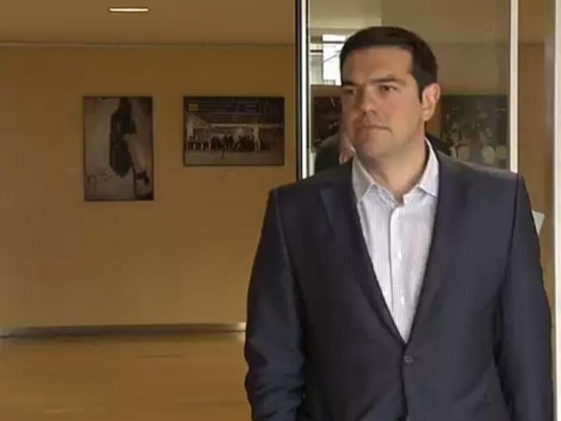 Tsipras chega à Comissão Europeia [EbS]