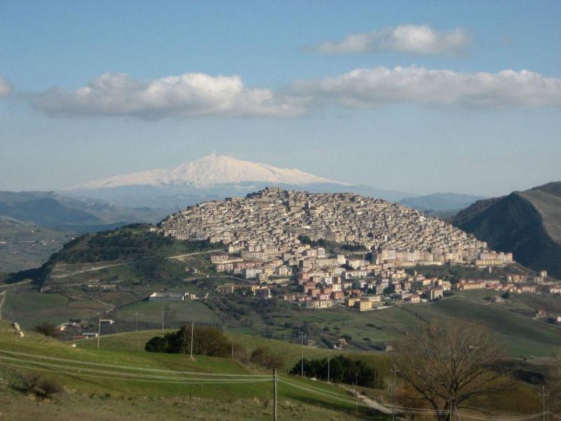 Gangi, Sicília, Itália (Wikipedia)