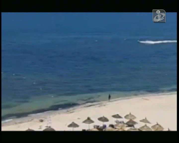 Novo vídeo mostra autor do atentado na Tunísia a caminhar na praia