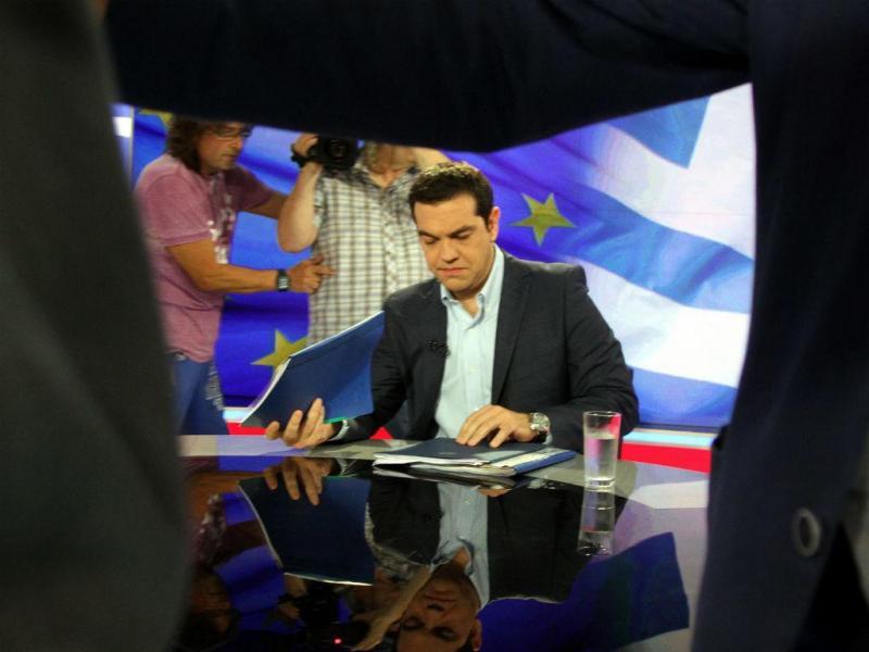 Tsipras em entrevista à televisão grega (Lusa)