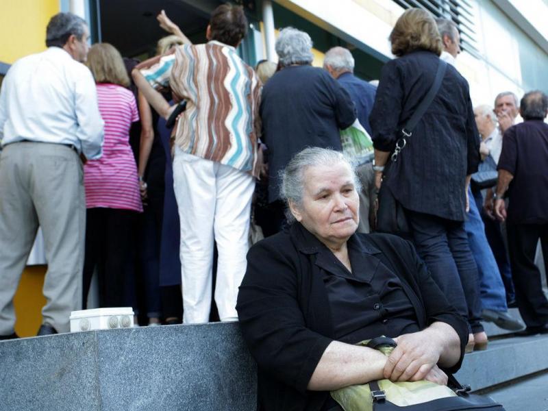 O desespero dos pensionistas gregos em dias de incertezas (LUSA/EPA)