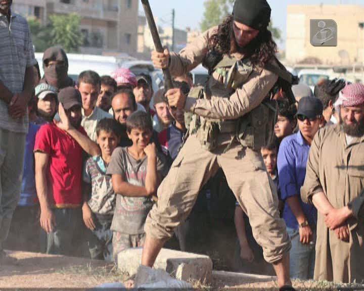 Estado Islâmico destrói importante estátua em Palmira