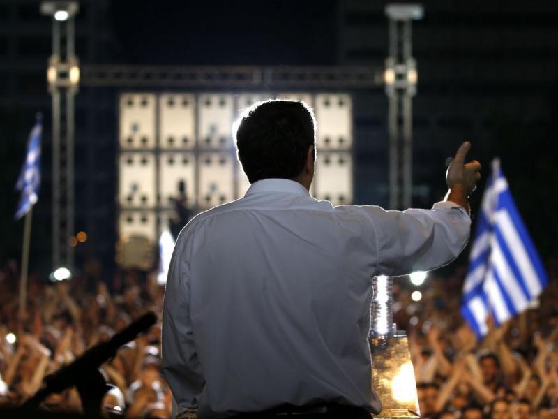 Tsipras discursa na praça de Syntagma [Reuters]