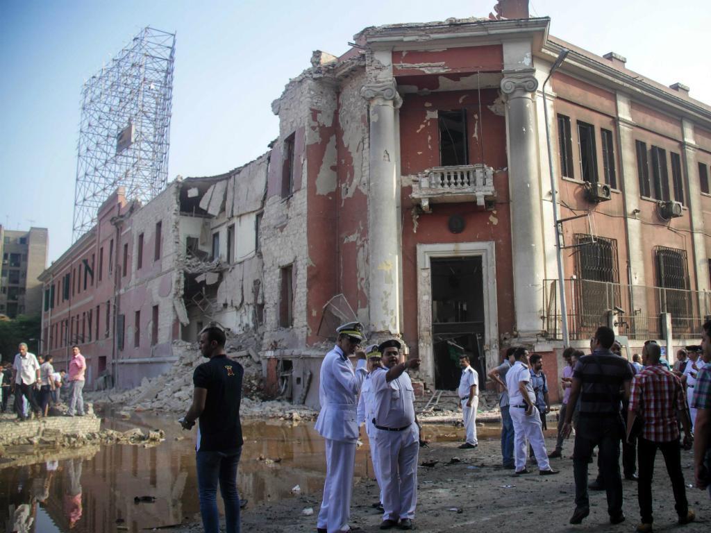 Atentado à bomba atinge consulado italiano no Cairo [Lusa]