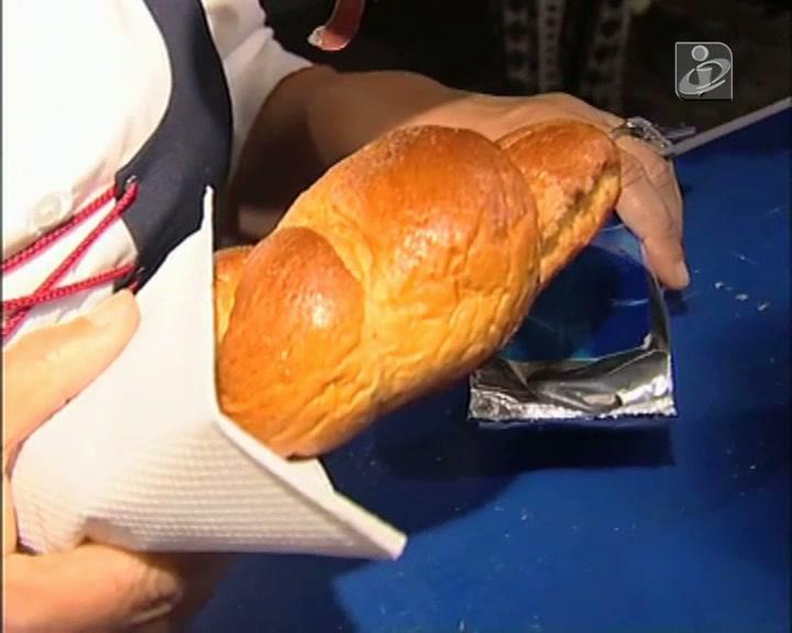 Noite do pão quente oferece cerca de 4 mil pães em festa que valoriza os produtos locais
