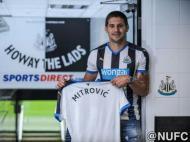 Mitrovic no Newcastle (@NUFC)