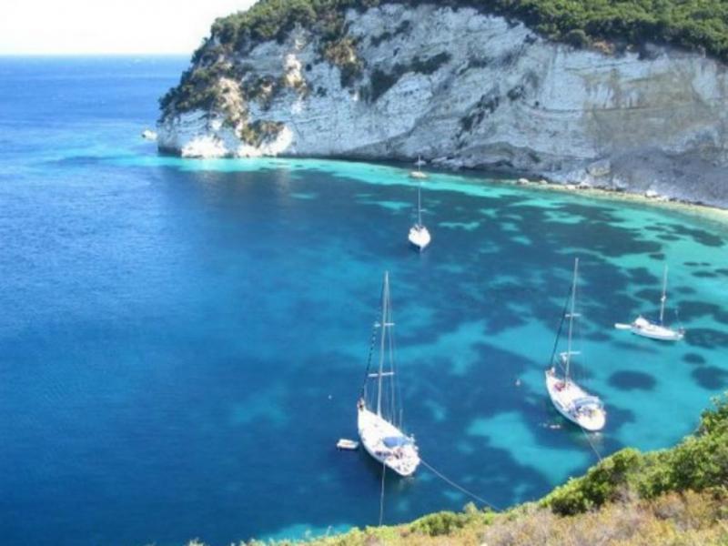 Ilha grega (Reprodução/ Private Islands Online)