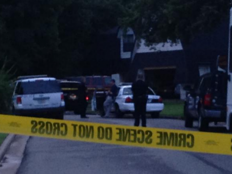 Dois adolescentes foram presos depois da família ter sido encontrada morta