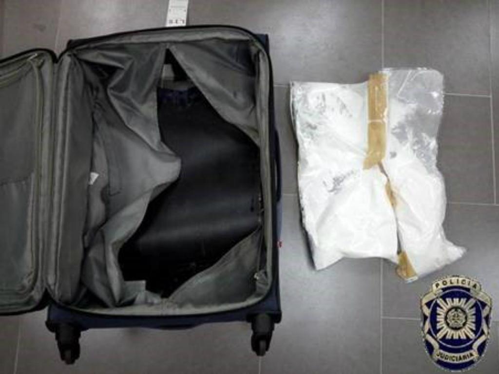 PJ apreende droga no aeroporto de Lisboa (Foto: PJ)
