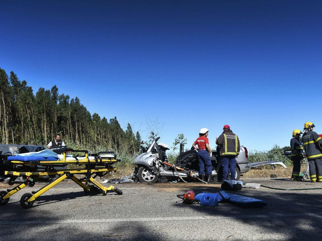 Dois mortos e seis feridos em acidente no IC2 (CARLOS BARROSO/LUSA)
