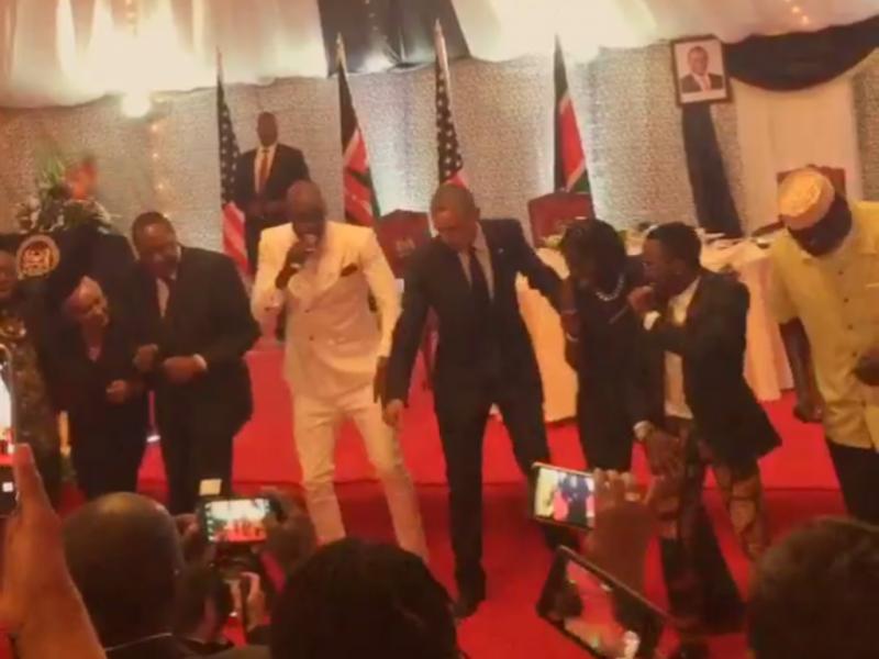 Barack Obama dança