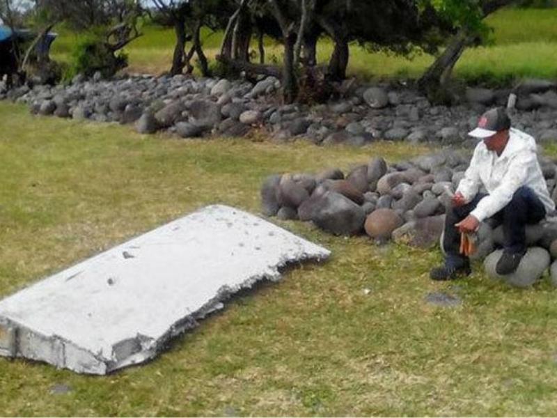 Encontrados destroços que podem ser do voo MH370 (Imagens Twitter)