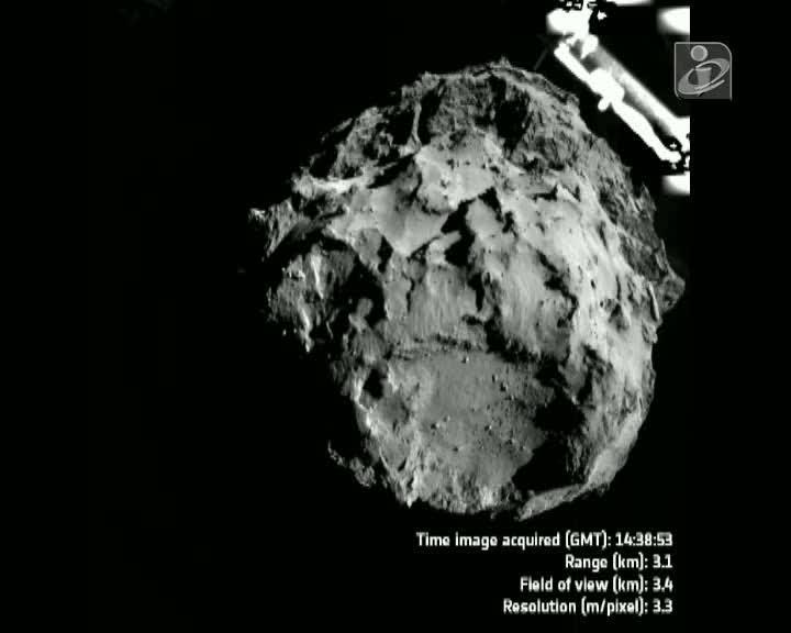 Imagens da superfície do cometa 67P/ Churiumov-Gerasimenko [Fonte: ESA]