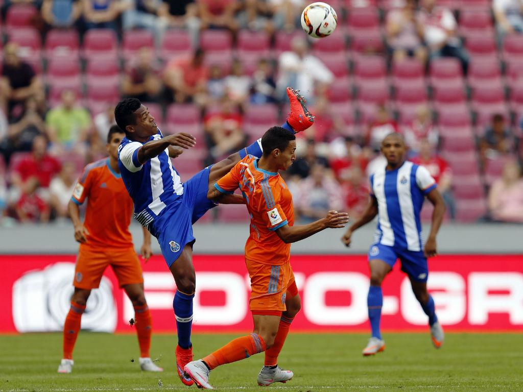 FC Porto-Valencia (Reuters)