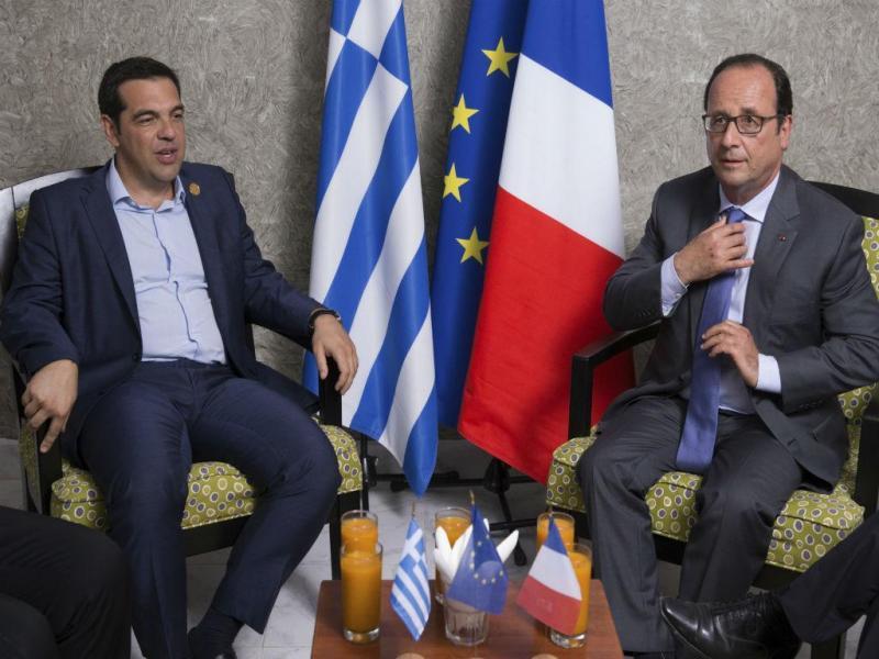 Alexis Tsipras e François Hollande estiveram juntos na inauguração do novo canal do Suez [Foto: Reuters]