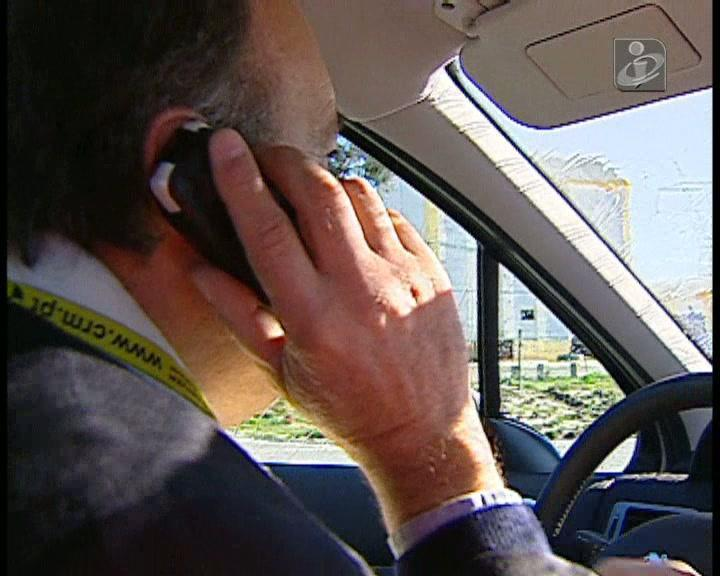 Há cada vez mais condutores apanhados a falar ao telemóvel