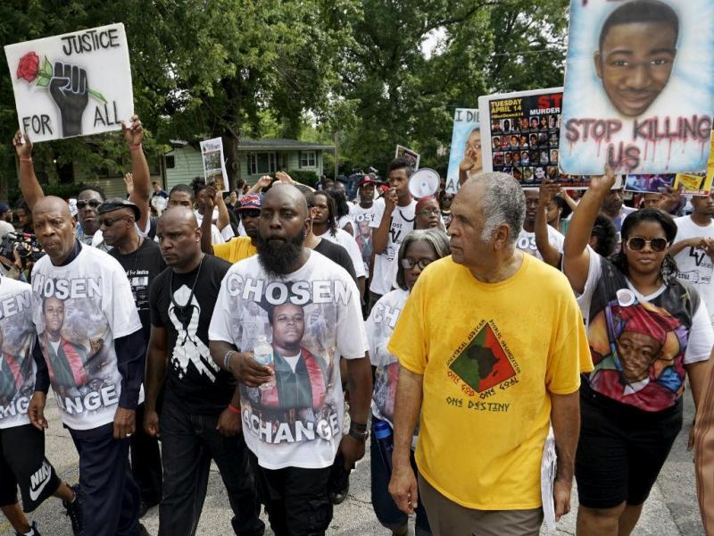 Marcha para lembrar morte de Michael Brown [Foto: Reuters]