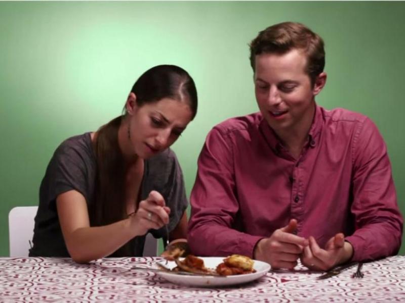 Norte-americanos provam comida portuguesa