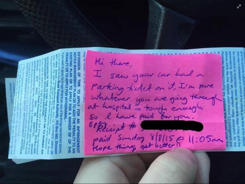 Paga multa de desconhecida e deixa bilhete a desejar as melhoras