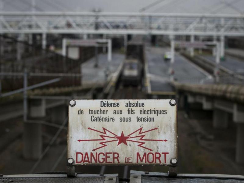 Entrada do Eurotúnel, em Calais (Lusa/EPA/IAN LANGSDON)