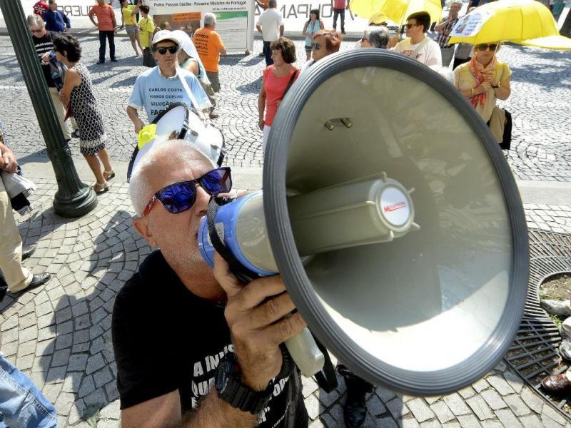 Manifestação dos lesados do BES no Porto