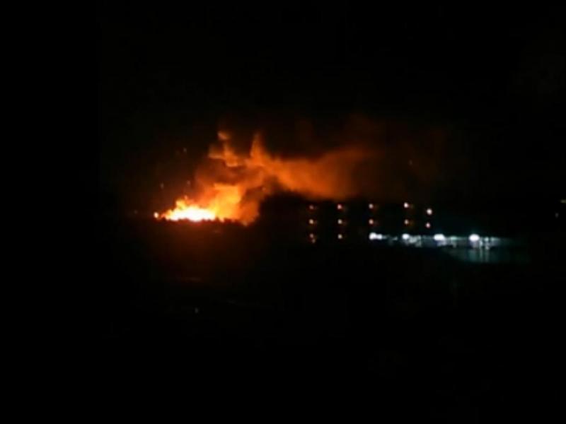 Forte explosão em base militar dos EUA no Japão (Reprodução/Twitter)