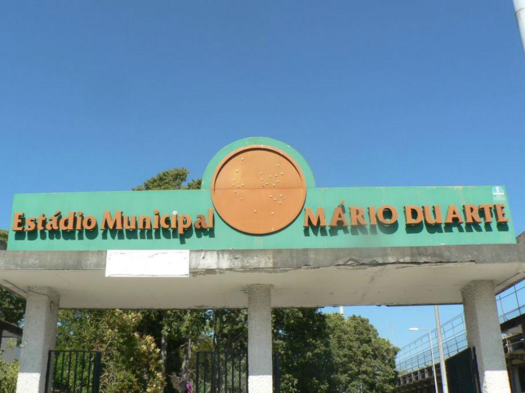 Obras de remodelação do Mário Duarte (foto Facebook)