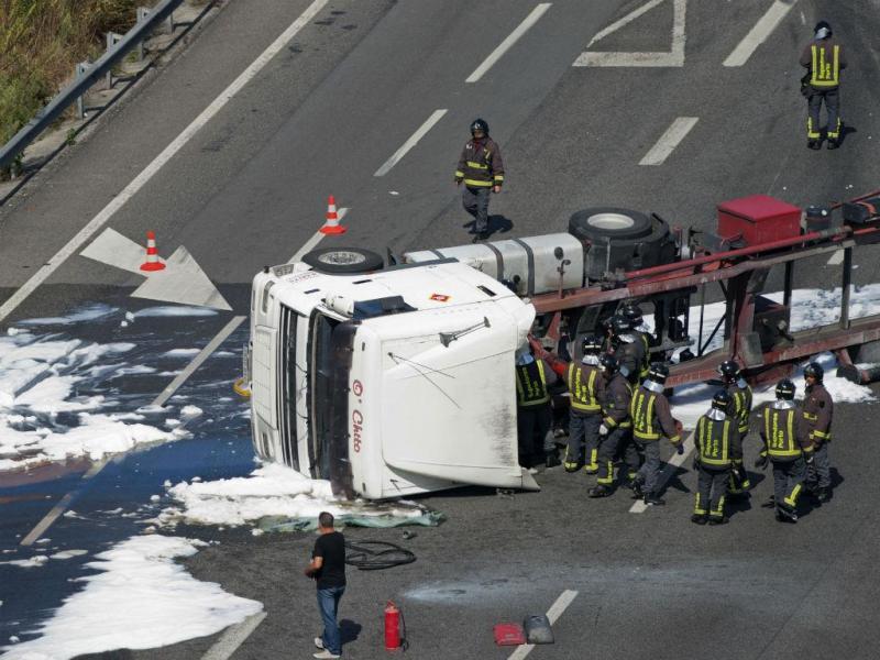 Despiste de camião na VCI faz dois feridos (RICARDO CASTELO/LUSA)