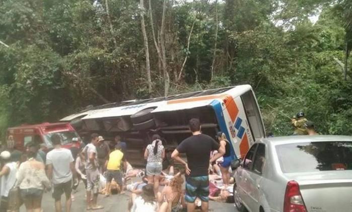 Acidente no Brasil provoca 15 mortos