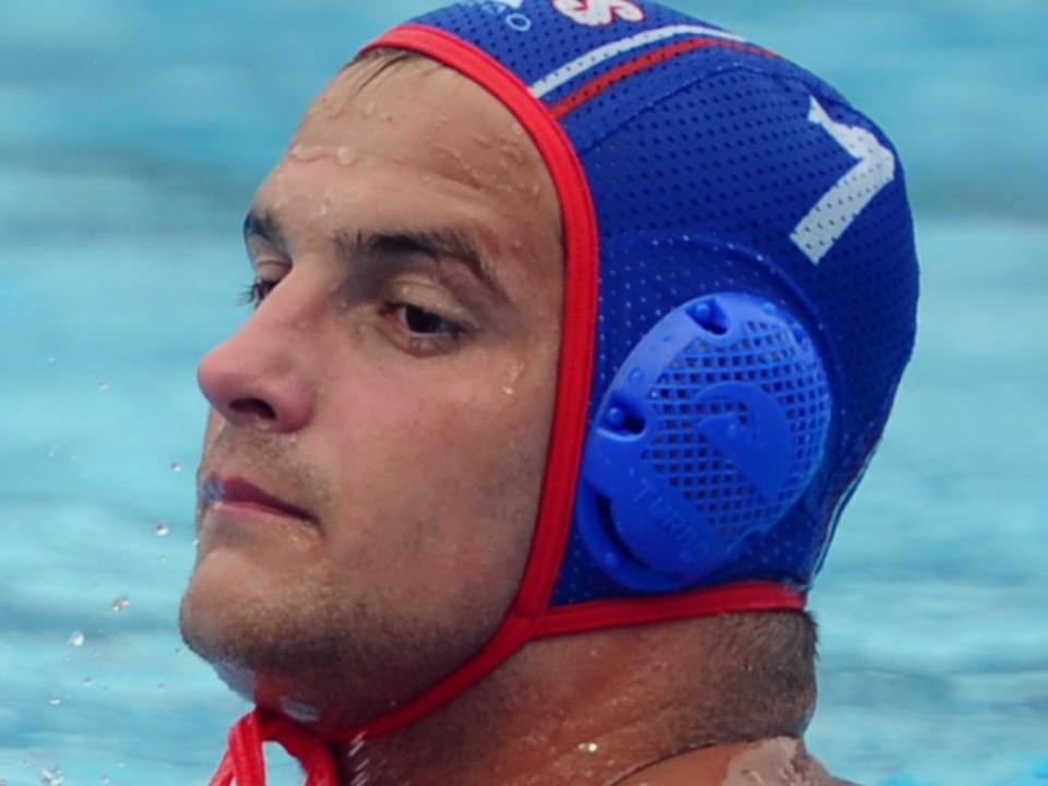 Bulgária: jogador de polo aquático morreu durante um treino