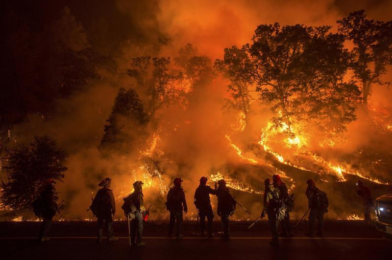 Incêndios florestais deixam a Califórnia em estado de emergência [Fonte: REUTERS/Noah Berger]
