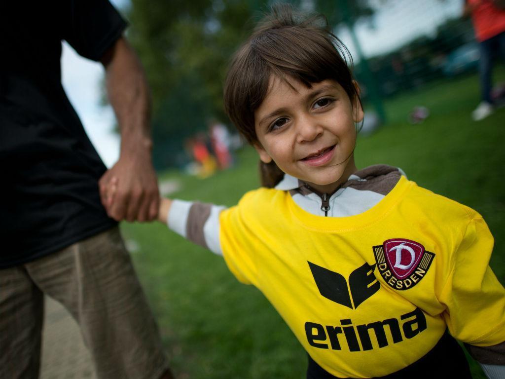 Dínamo Dresden faz captação de talentos entre os refugiados