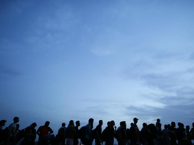 Refugiados rumam à Croácia