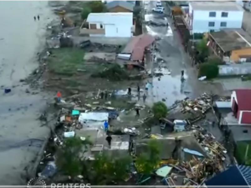 Drone mostra devastação causada pelo terramoto no Chile