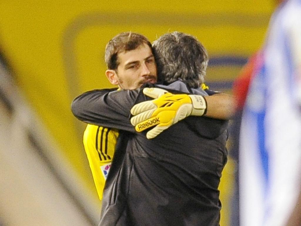 Casillas e Mourinho (Foto Reuters)