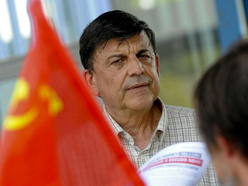 Garcia Pereira em campanha (RUI MINDERICO/LUSA)