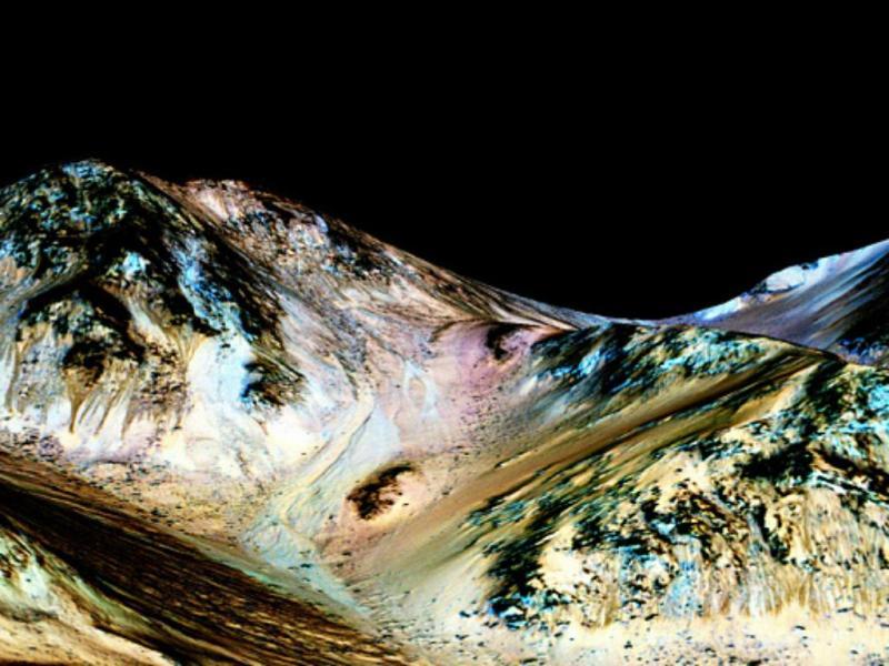 NASA descobre água em estado líquido em Marte