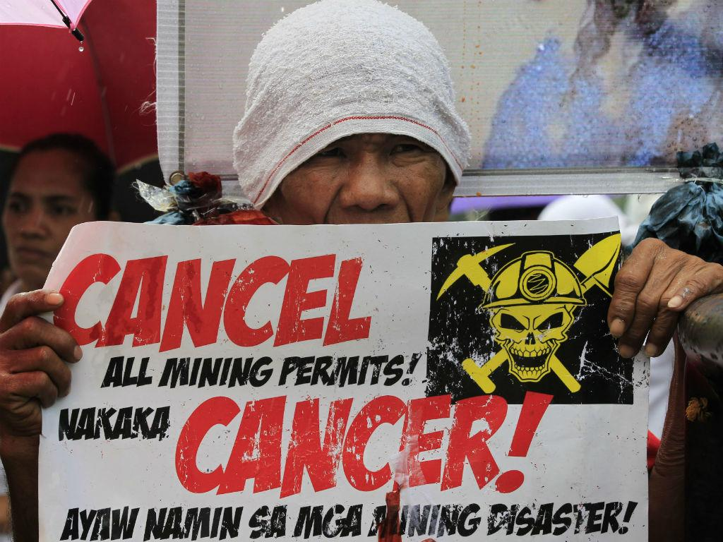 Protesto contra componentes tóxicas nas minas das Filipinas