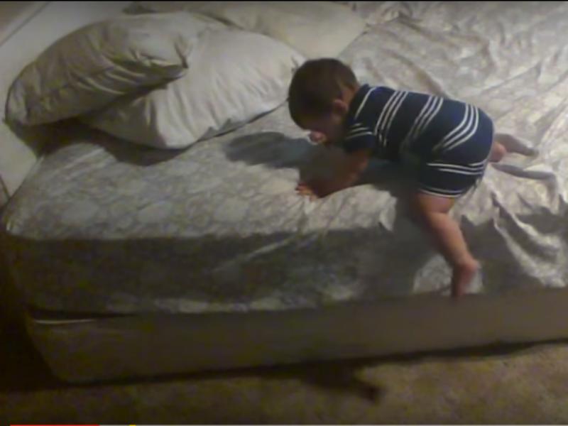 Bebé mostra dotes de engenheiro