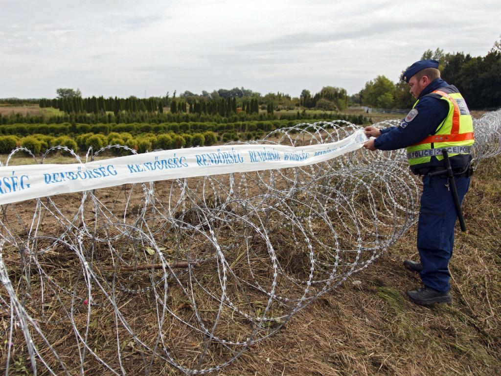 Governo húngaro instala nova cerca na fronteira com a Croácia