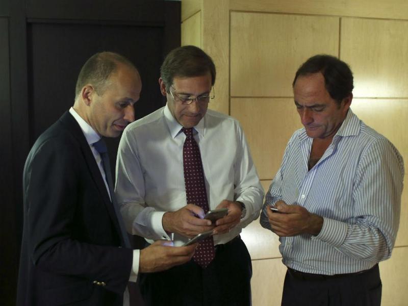 Passo Coelho, Paulo Portas e Mota Soares após  divulgação de projeções que dão vitória à PAF (Lusa)