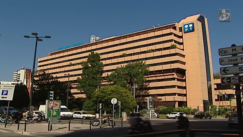 Pharol leva 3 ex-administradores ao banco dos réus