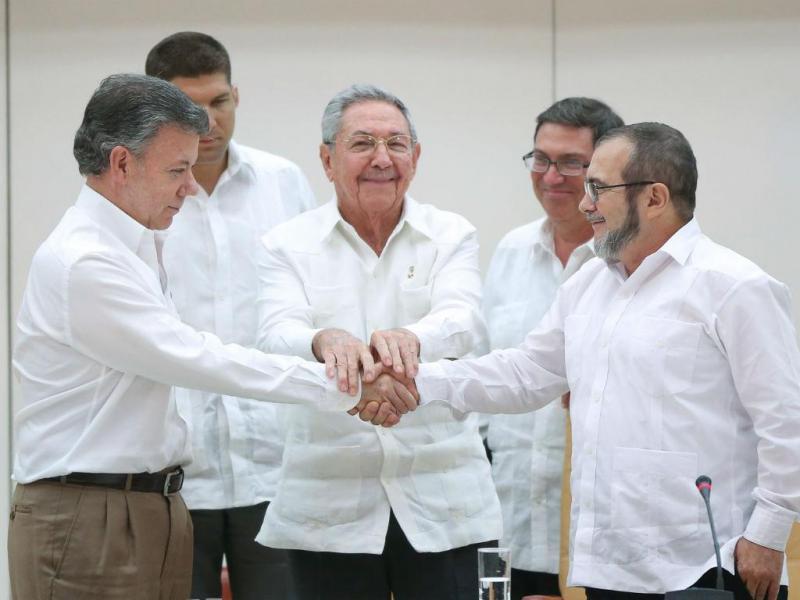 Juan Manuel Santos (Presidente Colômbia) e Timoleon Jimenez (Líder FARC)