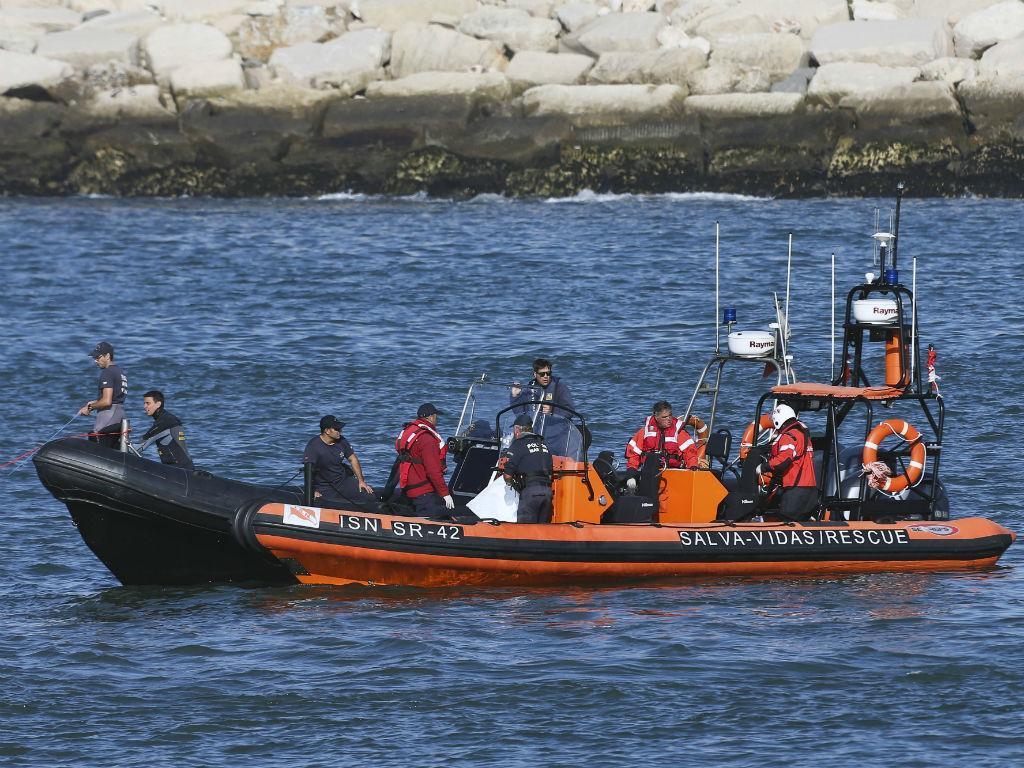 Figueira da Foz: Polícia Marítima recupera corpos de embarcação naufragada
