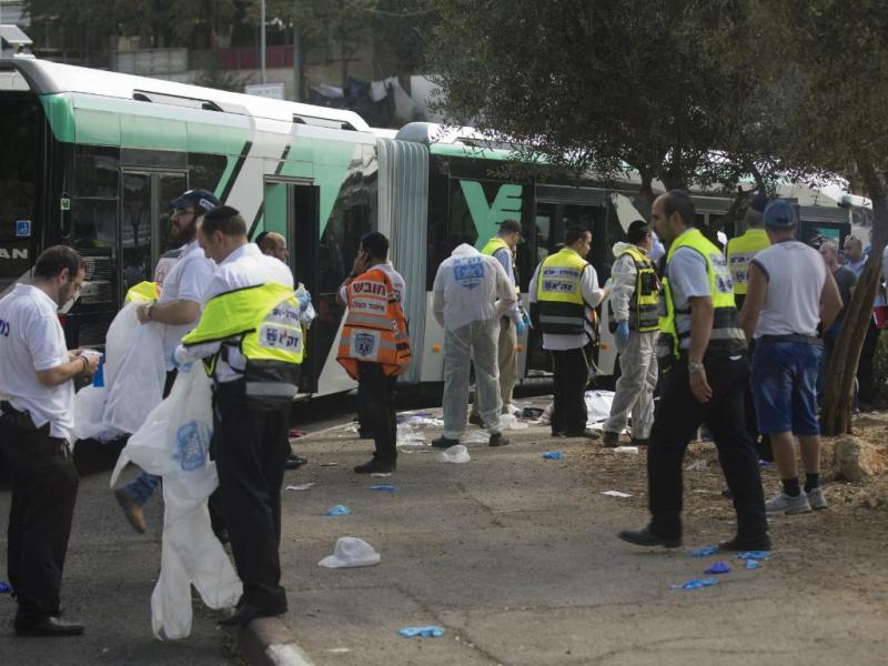 Ataques de palestinianos fazem vários mortos em Israel