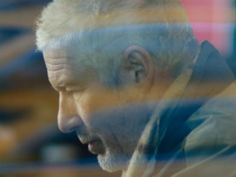 Richard Gere encarna o papel de sem-abrigo nas ruas de Nova Iorque (Foto Allison Rosa/IFC Films)