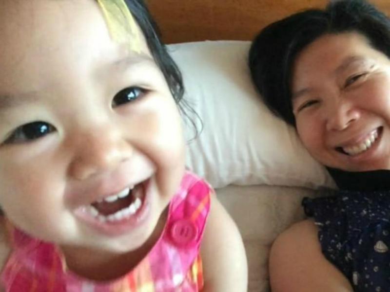 Matheryn Naovaratpong estava prestes a completar três anos quando não resistiu a tipo raro de tumor no cérebro (Foto BBC)