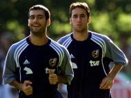 Raul e Guardiola na seleção espanhola (Reuters)